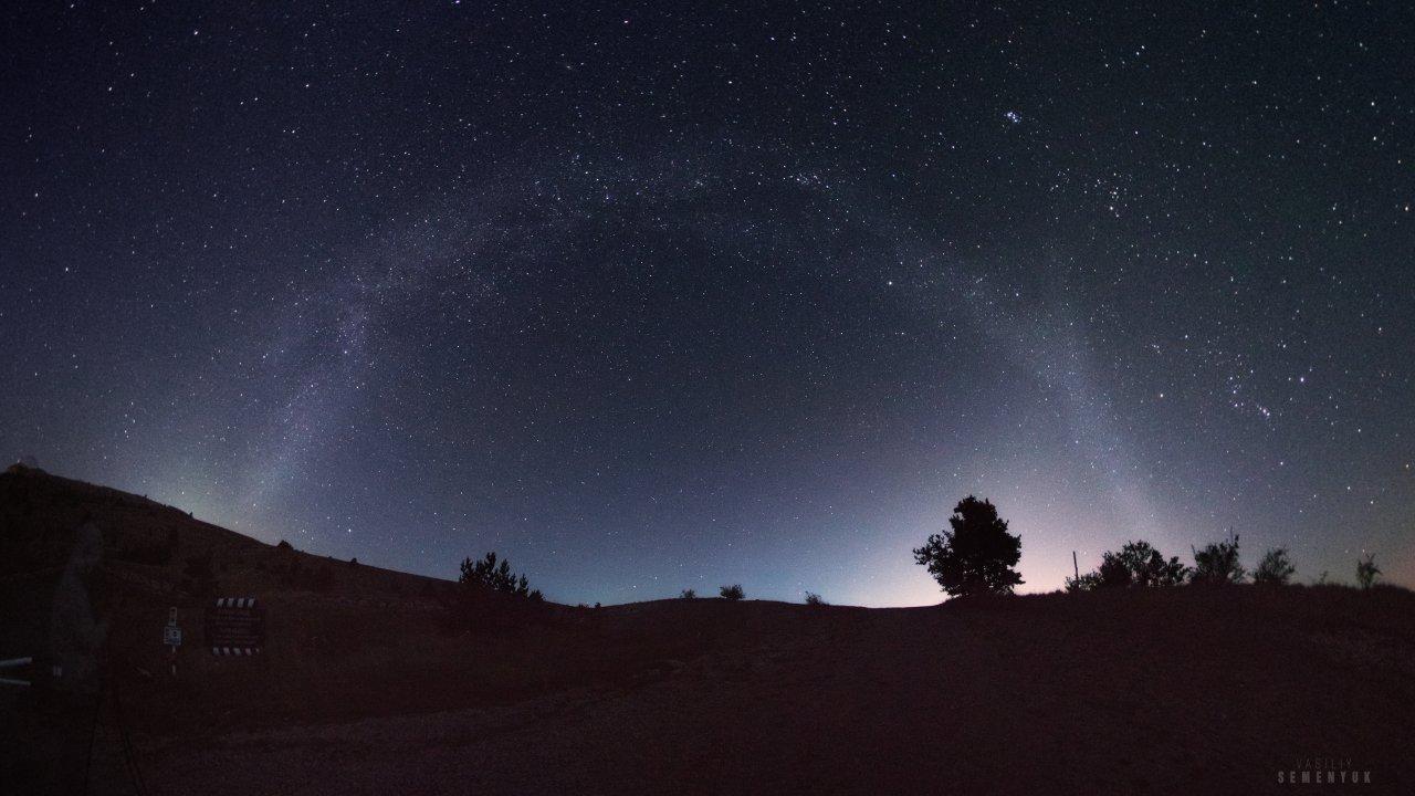 Circle of Milky way Pano web.jpg