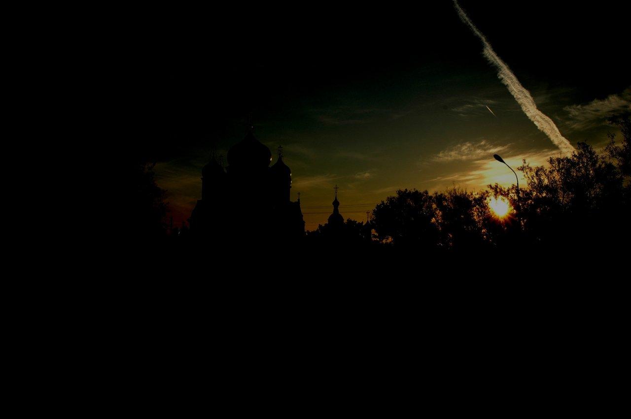 sunset-church-russia_25280128637_o.jpg